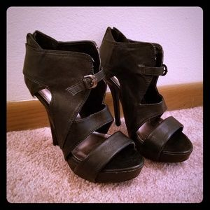 Shi by Journeys: black platform heel sz 6